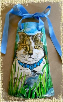 Tegolina Piccola decorata interamente a mano con Gatto tra i fili d'erba